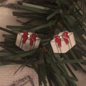 """1/2"""" Gift Package w/Red Bow &white sapphire"""